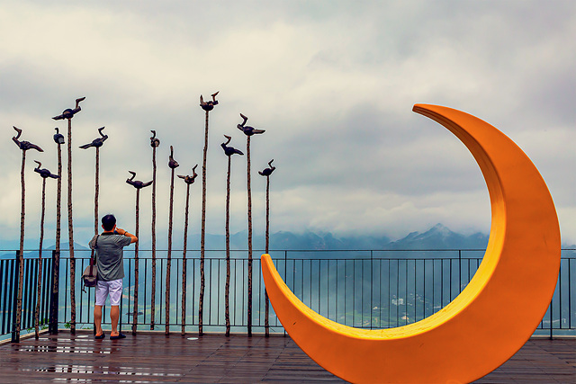 홍정희 달과 솟대.jpg