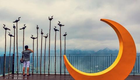 홍정희-달과 솟대